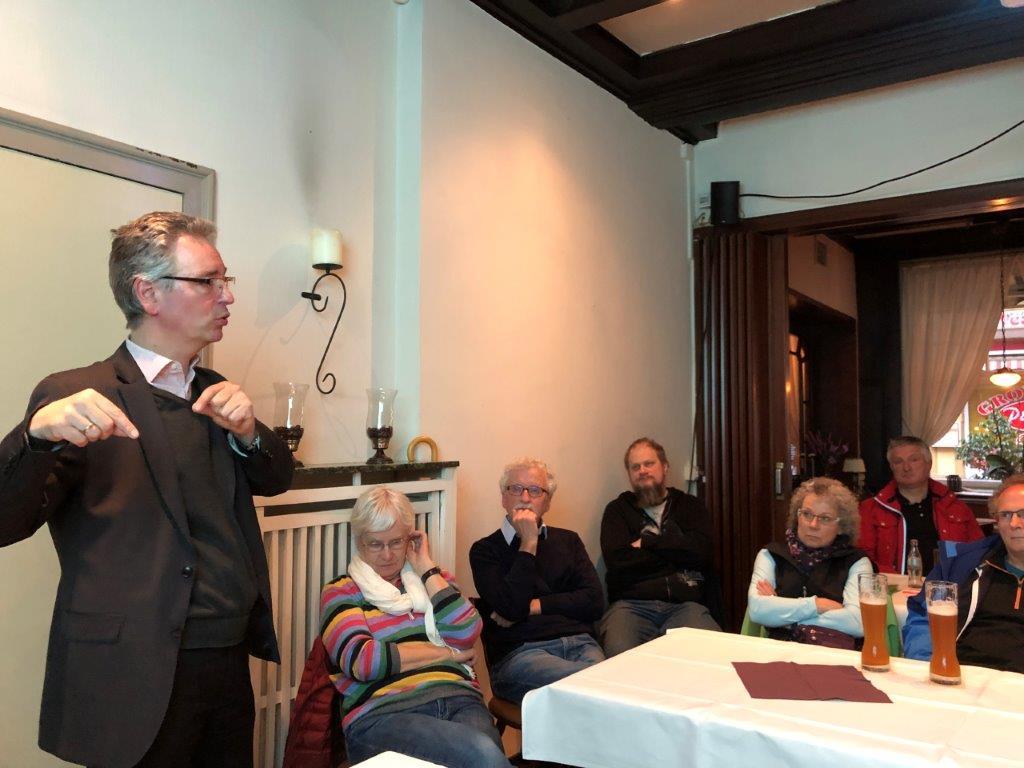 """Wasser ist unsere Zukunft"" - Umweltpolitiker Hans Christian Markert begeistert Gronauer"